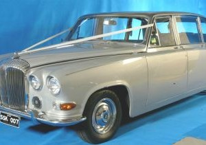 classic silver 6 seater wedding car for hire sydney