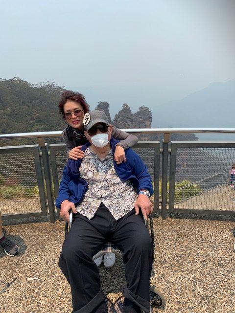 wheelchair traveller in blue mountains
